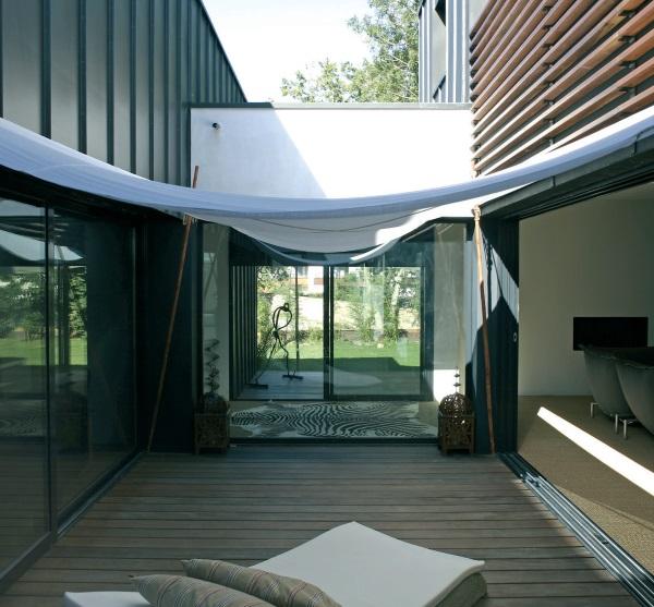 dedans dehors atelier arcau vannes. Black Bedroom Furniture Sets. Home Design Ideas